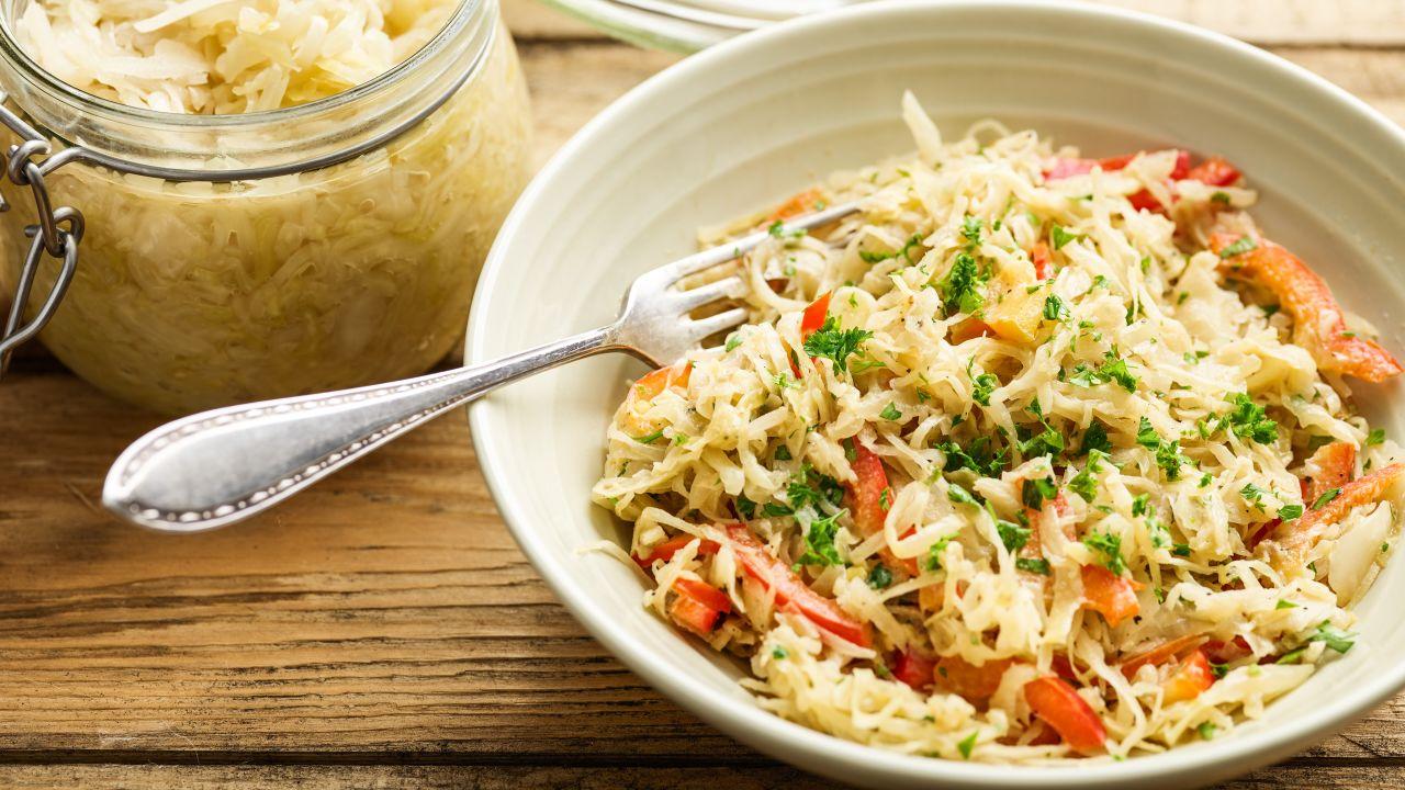 Sauerkrautsalat mit Paprika