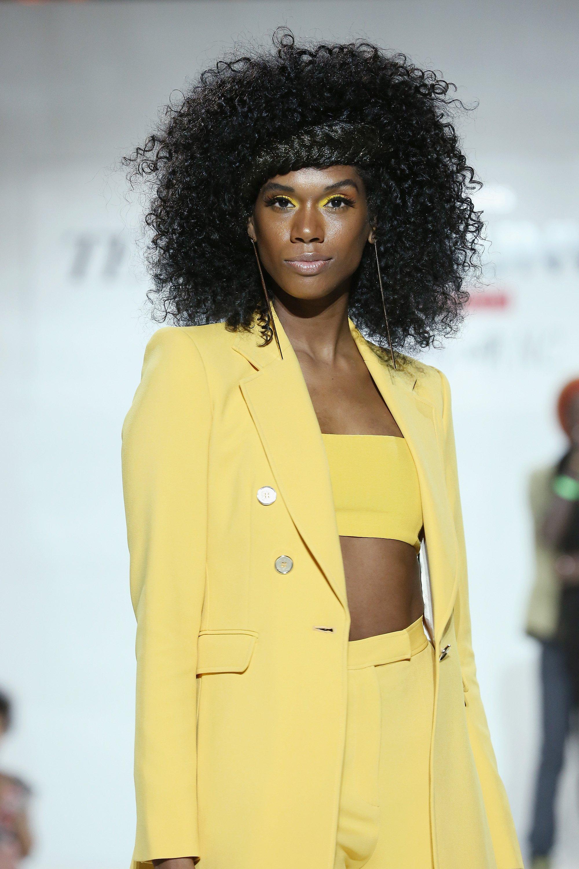 Studie: Texturiert-Haar-Verbraucher Übertroffen Haben Gerade Haaren Pendants