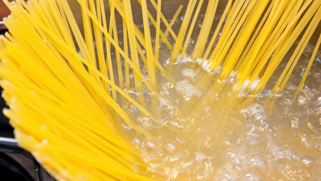 Teuer gegen billig: Die Wahrheit über Spaghetti aus dem Supermarkt – Video