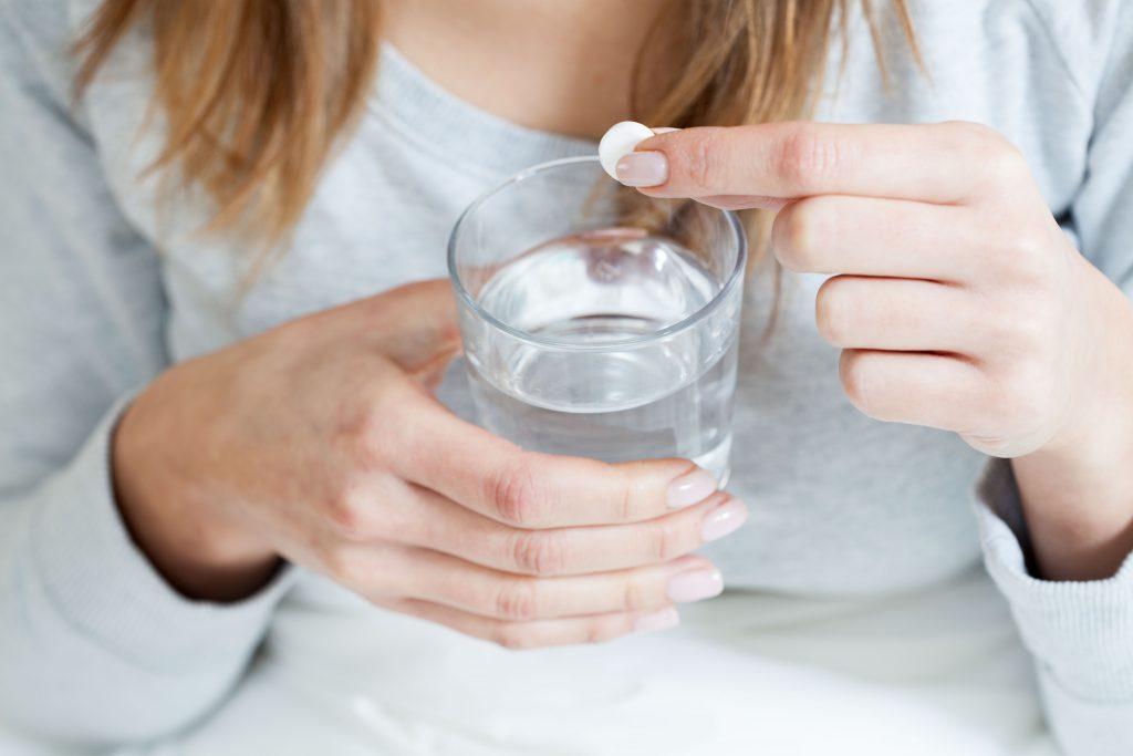 Immer wieder zur Aspirin greifen erhöht die Gefahr auf innere Blutungen