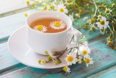 Bluthochdruck: Dieser Tee senkt zu hohe Blutdruckwerte auch ohne Pillen