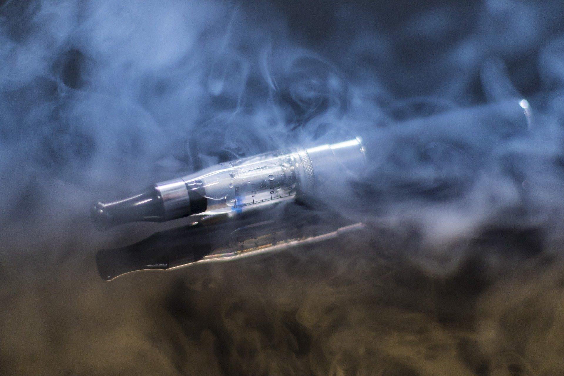 E-Zigaretten im Zusammenhang mit einem höheren Risiko für Schlaganfall, Herzinfarkt, erkrankten Arterien