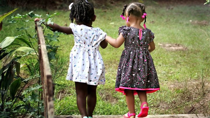 Kleine Kinder können sehen, Nationalität als biologische, neue Studie schlägt vor