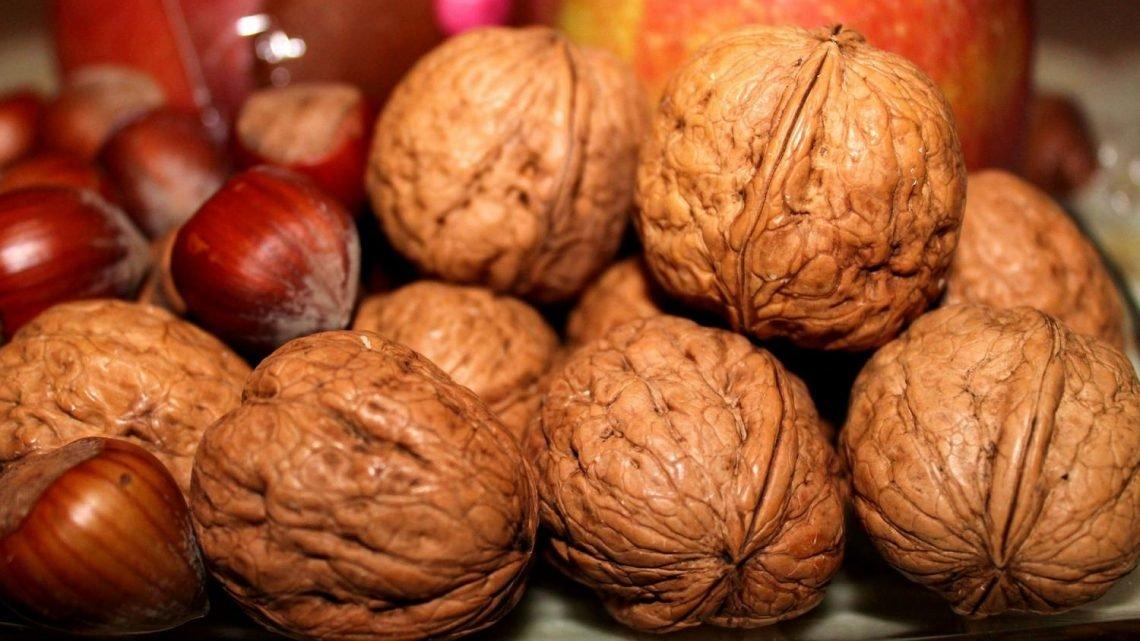 Nüsse Essen kann verringern Herz-Kreislauf-Erkrankungen Risiko für Menschen mit diabetes