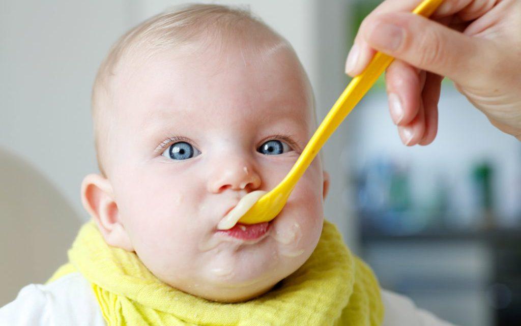 Achtung: Großer Rückruf bei Drogerie-Markt dm: Schimmelpilz-Giftstoff in Babynahrung gefunden