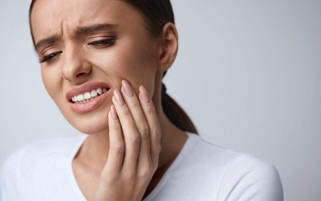 Neue Zahnfüllungen aus Autoindustrie-Kleber – Verdoppelte Haltbarkeit im Vergleich zu normalen Plomben