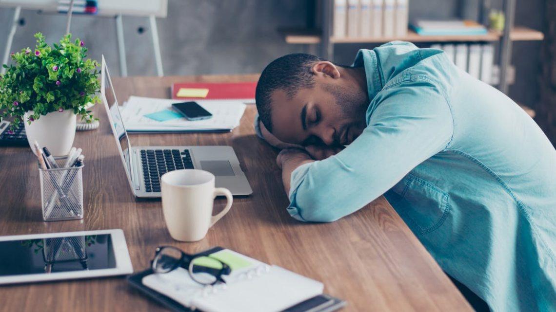 Wenn Sie nicht schlafen bei der Arbeit, sollten Sie gefeuert werden