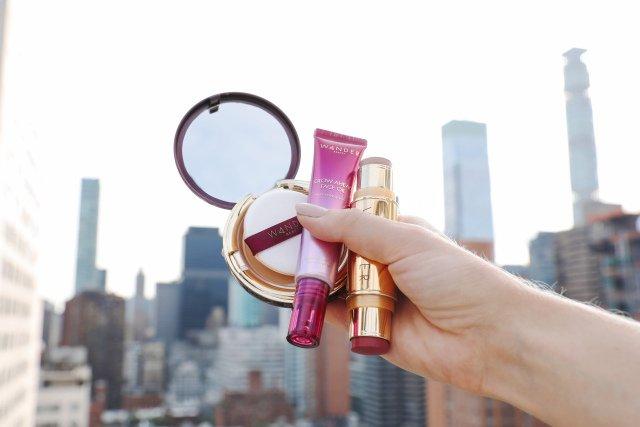Wandern Schönheit zu Öffnen, NYC Pop-up-Shop