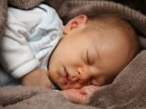 Opioid-exponierten Neugeborenen, reagiert auf Schmerzen anders nach der Geburt