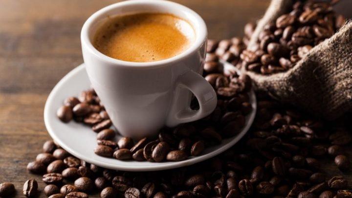 Herzgesundheit: Auch 25 Tassen Kaffee täglich schaden nicht den Blutgefäßen