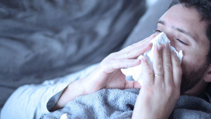 Krank mit der Grippe? Hier ist, warum Sie fühlt sich so schlecht