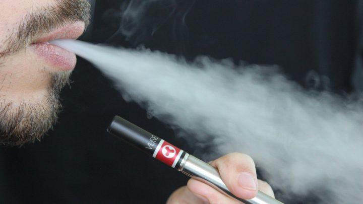 Schwarzmarkt-cannabis-Produkten in Verbindung mit UNS vaping Krankheiten