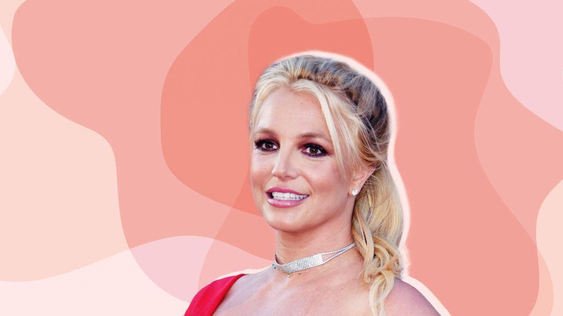 Britney Spears Zeigt Ihre Abs Während der Durchführung des Splits zu Teilen Ihr Neues Workout-Routine