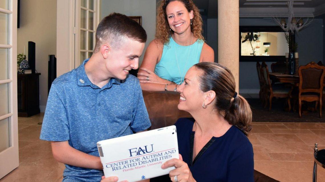 Teens mit Autismus meistern das tägliche Leben Fähigkeiten, wenn die Eltern lehren, erreichen für iPads