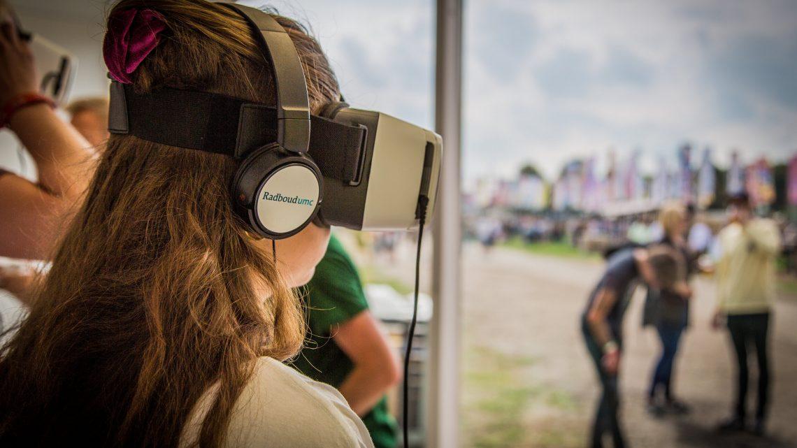 Randomisierte Studie beim Musik-festival zeigt Potenzial von virtual reality für die CPR-Ausbildung