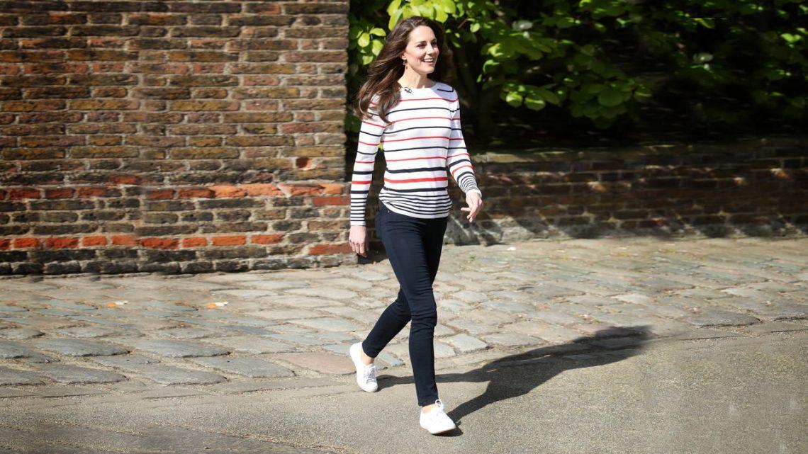 Die Bequemen Turnschuhe, die Kate Middleton, Kelly Ripa, und Mehr Promis Lieben Sind auf den Verkauf bei Amazon