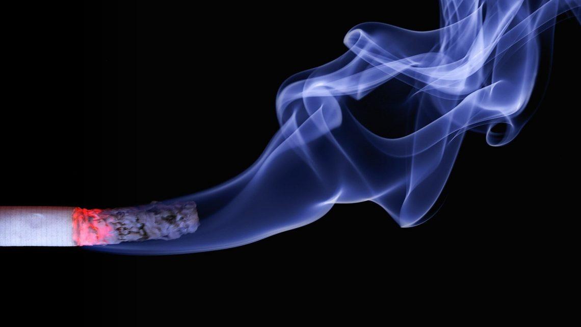 Kombiniert pränatalen Rauchen und trinken stark erhöht SIDS-Risiko