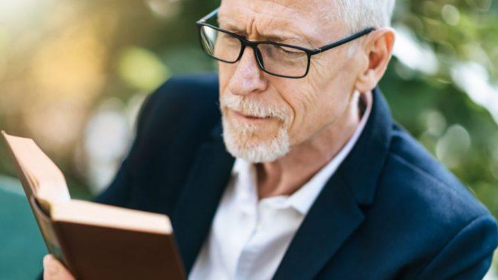 Sehstärke überprüfen: Senioren tragen oft eine falsche Brille