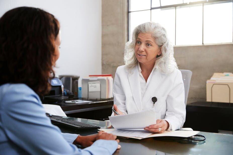 Denken der Hormonersatztherapie? Hier ist, was Sie erwarten können von Ihrem Hausarzt