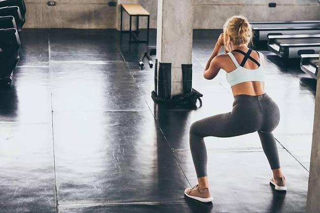 Zu Hause trainieren: 8 Übungen für definierte Beine und einen knackigen Po