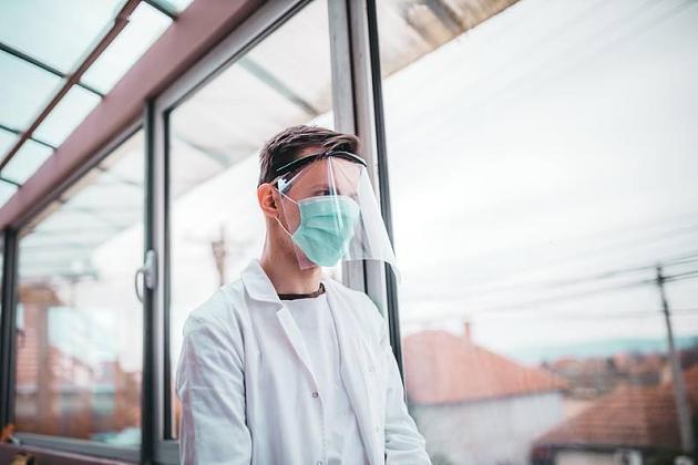 Faktencheck: Taugen Visiere als Ersatz für die Atemschutzmaske?