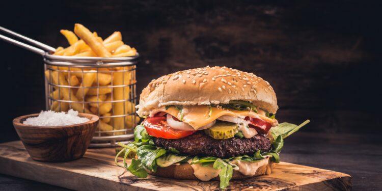 Ernährung: Auf diese fünf Mittagsgerichte dringend verzichten – Naturheilkunde & Naturheilverfahren Fachportal