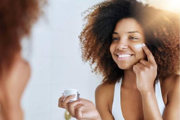 Hautpflege: Wo liegt der Unterschied zwischen Tages- und Nachtcreme?