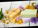 Nachhaltige Haarpflege: Darum ist festes Shampoo besser für die Umwelt als flüssiges